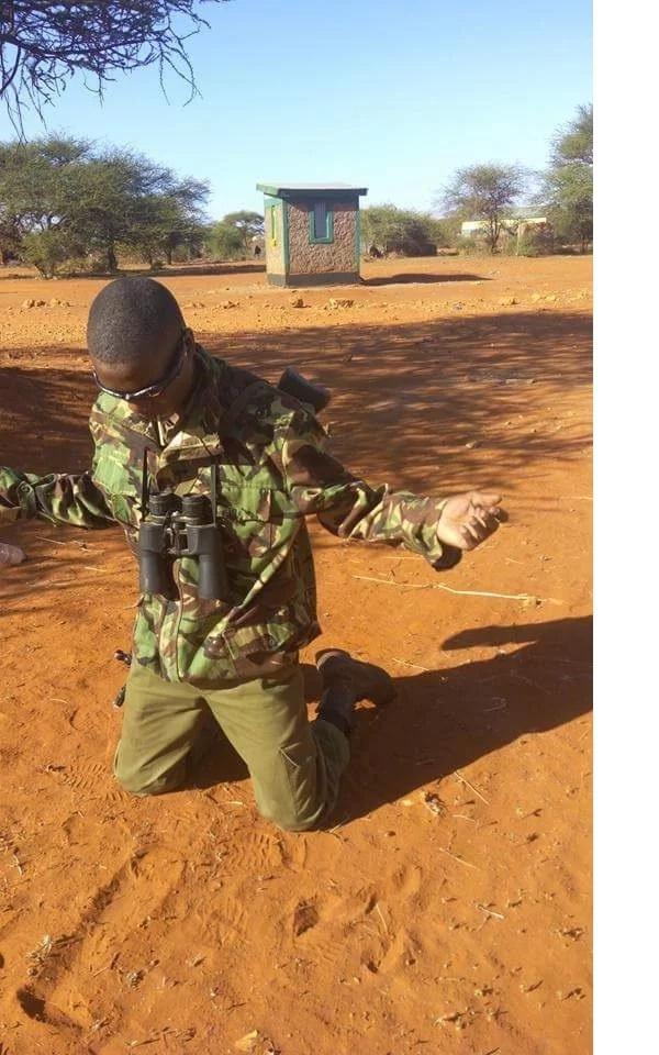 Touching photos of police officers praying before starting work