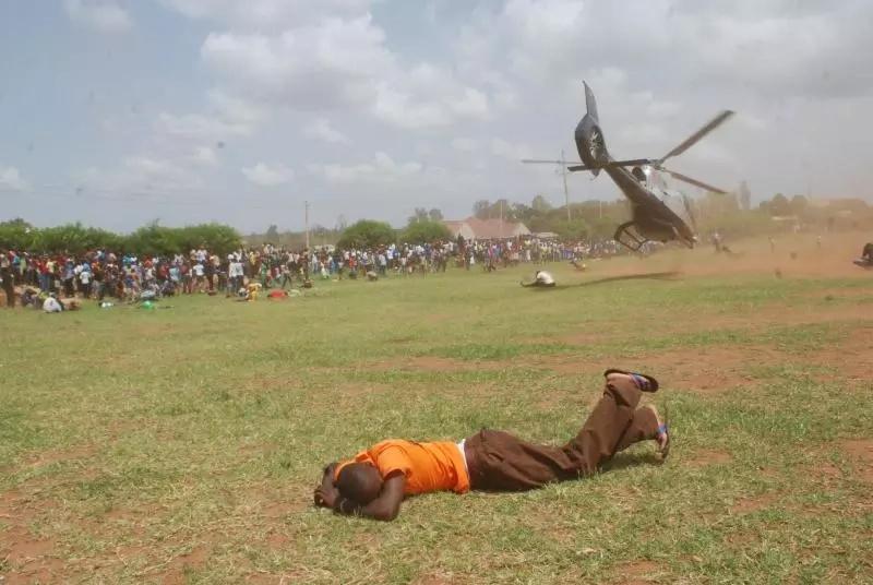Jamaa kutoka Bondo afanya jambo la kushangaza kwa ndege yake Musalia Mudavadi