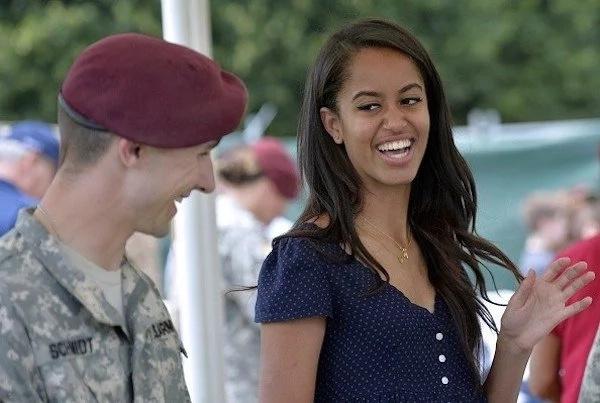 5 raisons pour lesquelles le monde adore Malia Obama (PHOTOS)