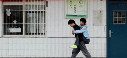 Their friendship inspired the whole world as he carries his disabled friend for 3 years
