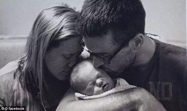 The couple with their newborn son before he passed away in 2015. Photo: Facebook/Gentry and Hadley Eddings