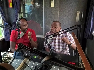 Uhuru leaves Kenyans surprised after he sang a Kikuyu song on his Kameme FM (video)