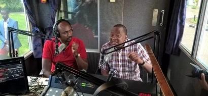 Uhuru leaves Kenyans surprised after he sang a Kikuyu song on his Kameme FM (video)