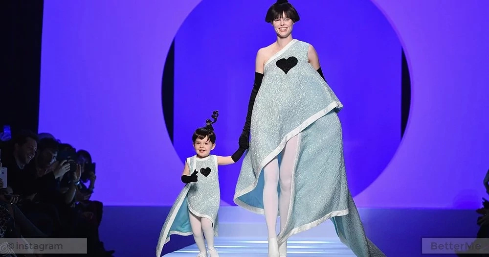 Coco Rocha's 2-year-old daughter debuted on the podium