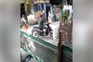 """Beware: 3 Policemen almost kidnap this father in alleged """"tokhang"""" operation"""