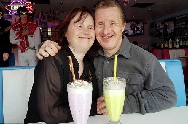 Down's syndrome couple celebrate 22 years of marriage despite wave of criticism from haters (photos)