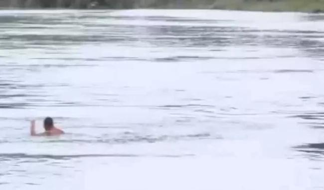 Algo resultó mal en este salto, aún no encuentran su cuerpo