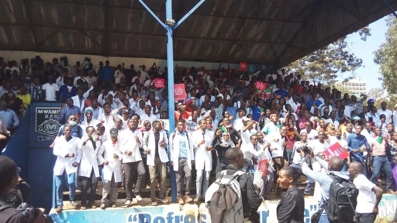 Doctors call off strike
