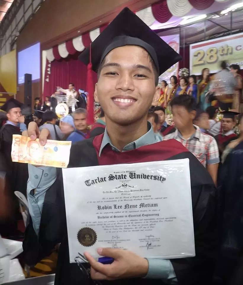 This scholar graduates as an engineer in college with only P20 everyday to keep him going ...