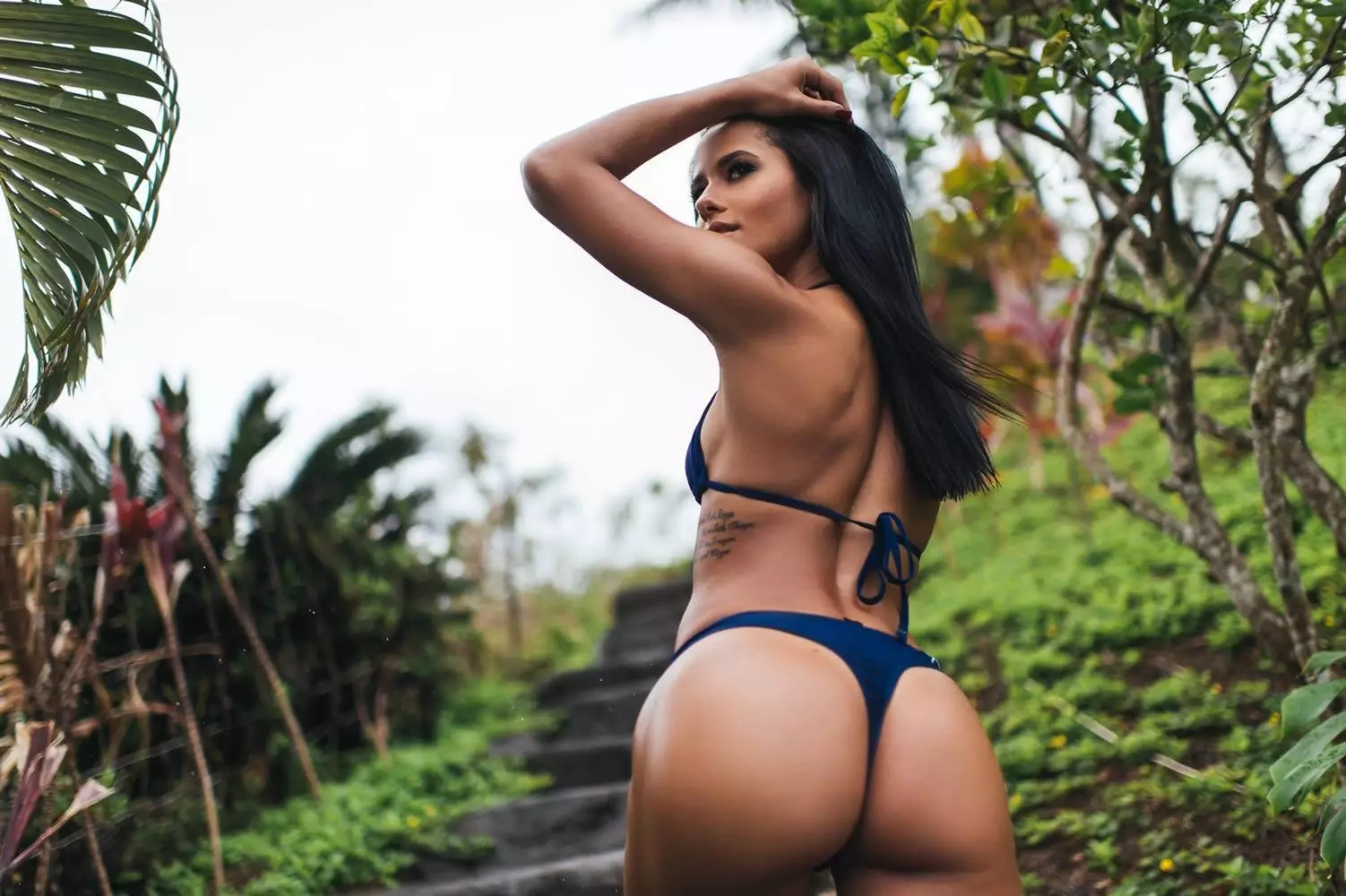 Stunning Girl Releases The Most Most Bootylicious Work-Out Video (NSFW)