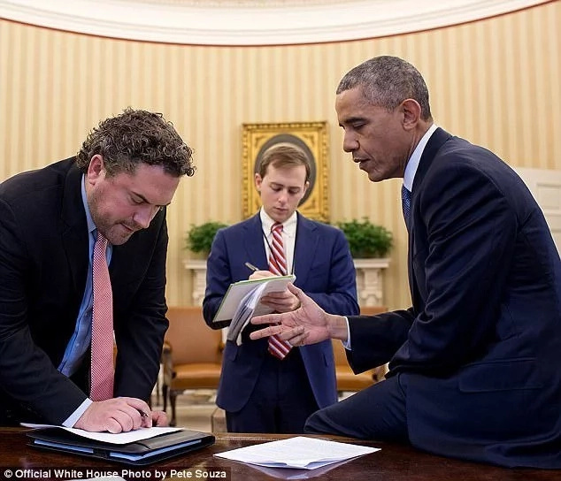 David Litt (centre) with Obama and another staffer. Photo: White House/Pete Souza