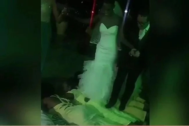 See couple's entrance where people were stepped on
