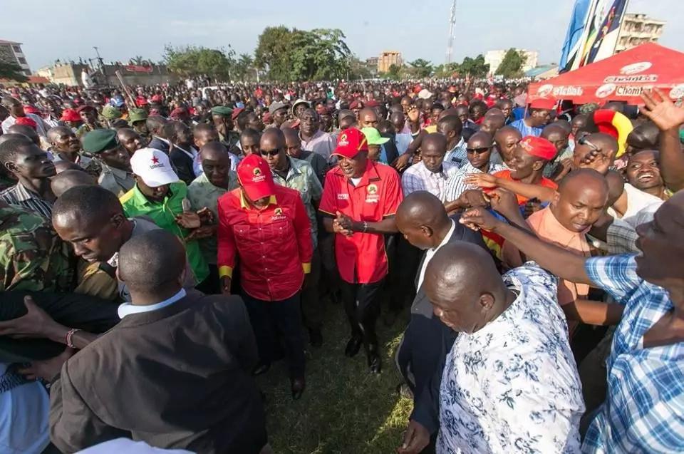 Propaganda ya Uhuru dhidi ya Kalonzo Musyoka mjini Bungoma YAZAMA vibaya
