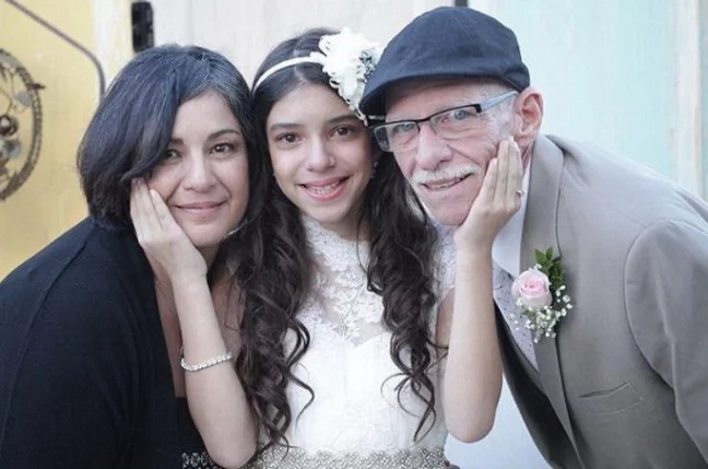 Man Celebrates His 11-Year-Old Daughter's Wedding, But The Bride Is Crying All The Time