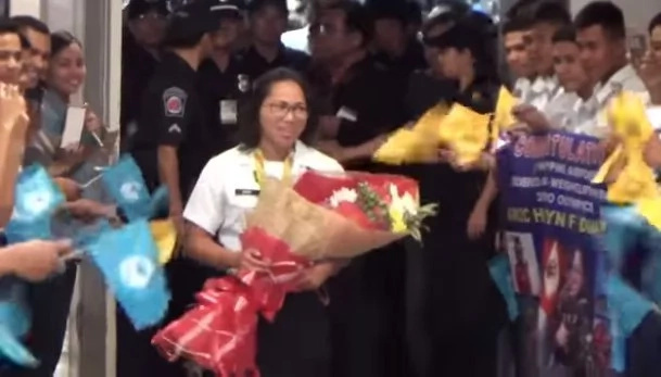 Hidilyn Diaz received hero's welcome