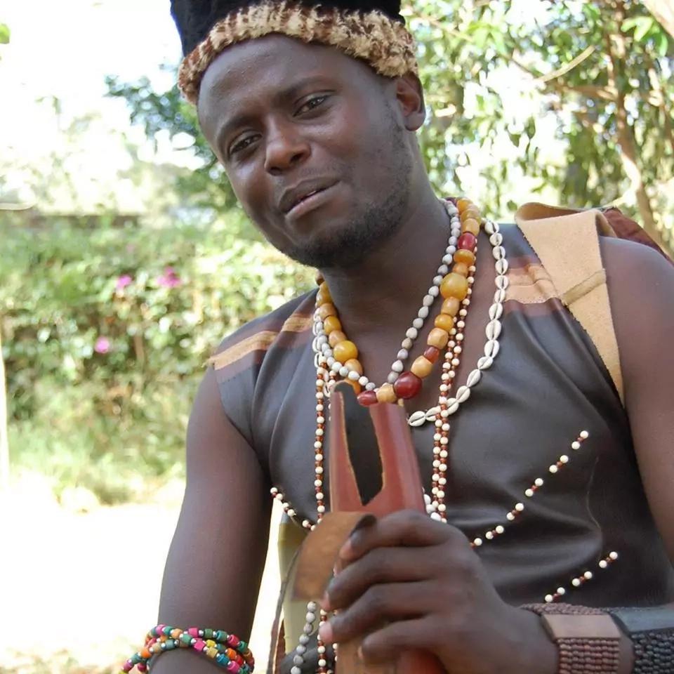 Jubilee Woman rep gifts popular Meru musician top of the range car as Christmas gift