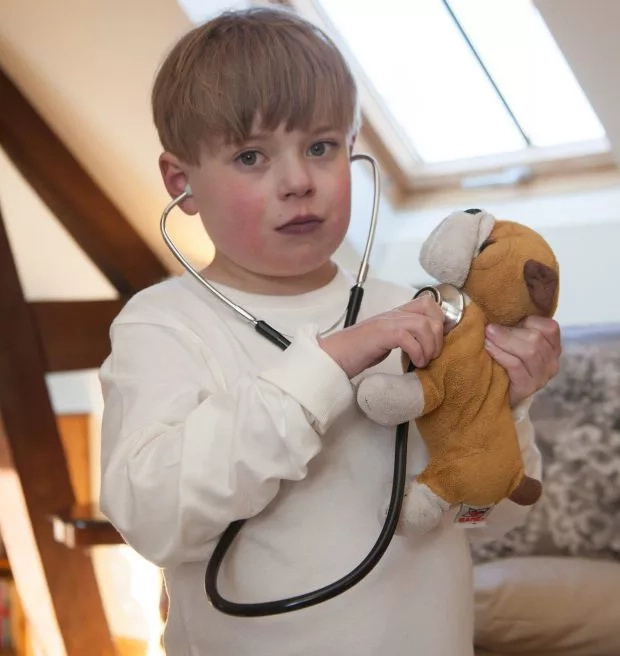 Kid born with half a heart dies at the age of 9