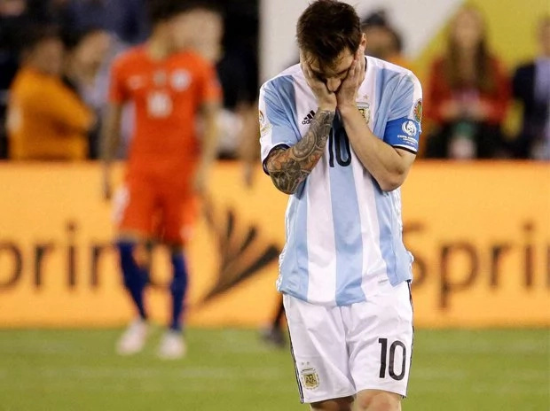 Lionel Messi quits int'l football after continuous losses