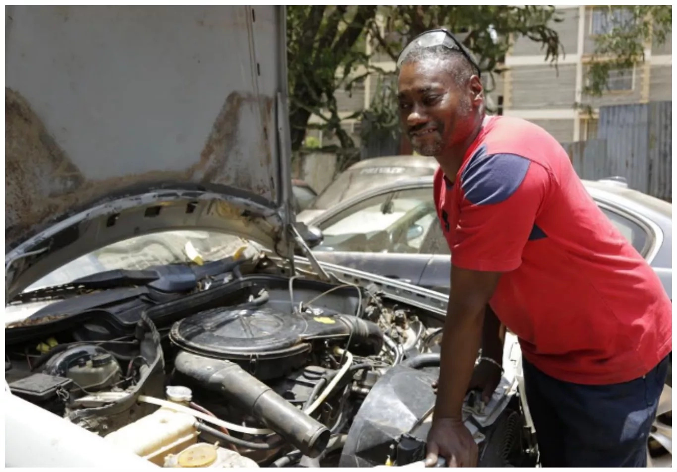 Meet blind mechanic in Nairobi who is a master of his trade (photos, video)