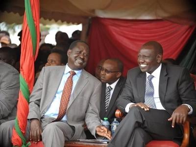 Kampeni zashika kasi: Ruto na Raila wavutania kura za Isebania