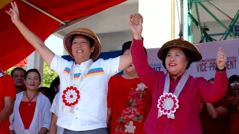 Marcos continues support for Santiago despite low ratings
