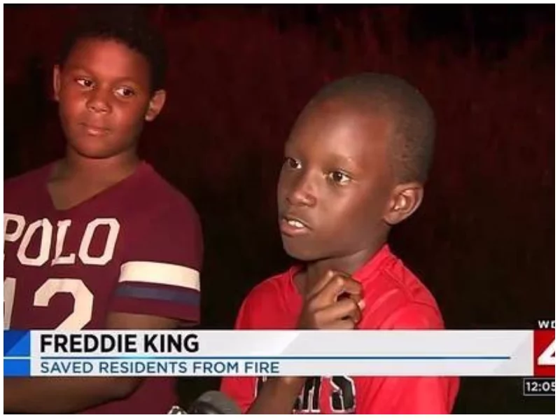 Hero boys! 2 youngsters showered with praise after saving several tenants from deadly inferno