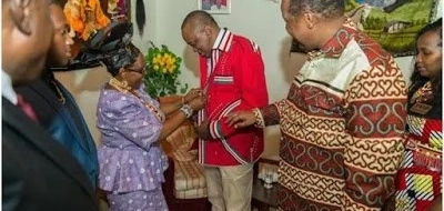 After photos of his favorite shirt emerged, Uhuru has now been given another (Photos)