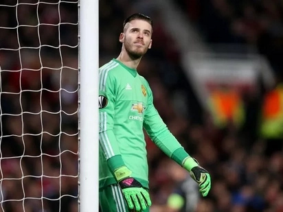 David De Gea shines at Sevilla as dreadful Manchester United secure draw in tough UCL tie