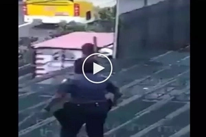 Hala bakit kaya niya ginawa yun? Footage reveals MRT suicide attempt rescue