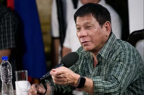 WATCH: Duterte violates Davao City's ordinance on women