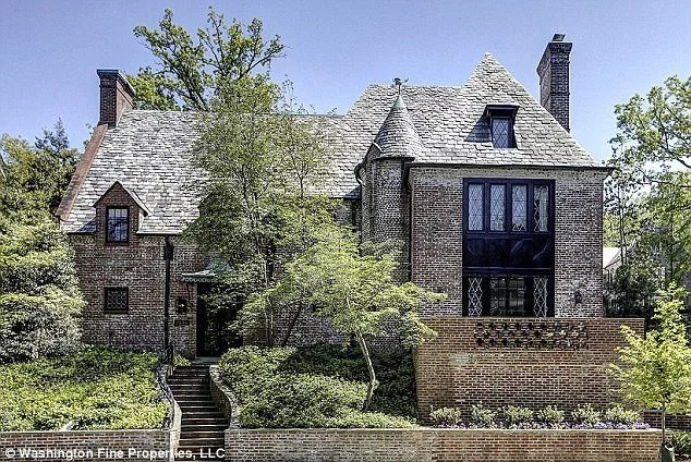The Obamas have splurged Ksh810 million to buy this Washington DC house they were renting