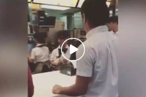 The cashier was surprised too! Pinoy student shows how to order ice cream like a boss in viral video