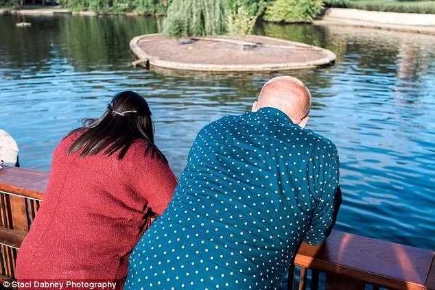 Proposal hiccup! Man accidentally dropped Ksh 300,000 engagement ring into river as he proposed