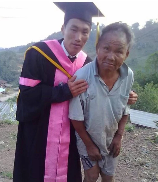 These photos went viral before but the story behind them will surely move you to tears