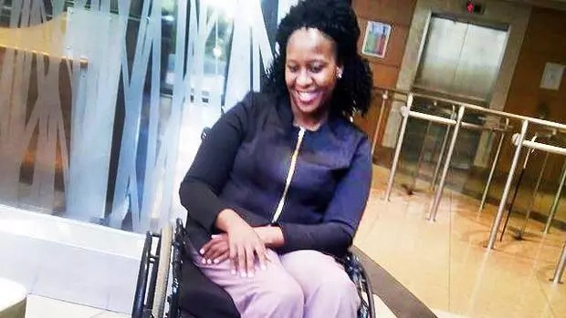 Woman in the wheelchair was taken out of a flight (photo)