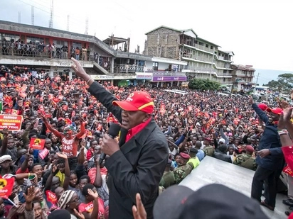 William Ruto warns besieged Chebukati on repeat poll
