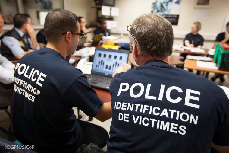 Condenan a hombre que vendía objetos de víctimas de Niza