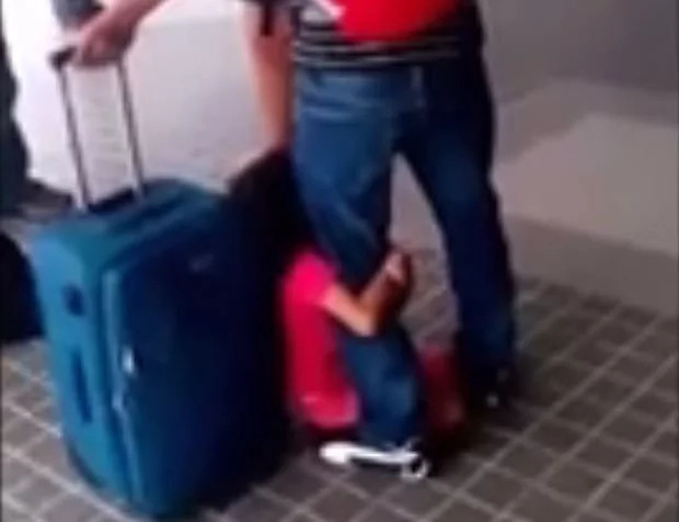 5-year-old girl clings to OFW father leaving for Maldives