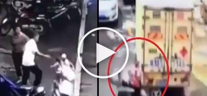 Sobrang brutal! Curious kids violently crash their dad's motorcycle into van