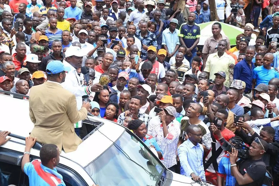 Kalonzo CHARMS Meru residents in the most UNEXPECTED way during the NASA tour