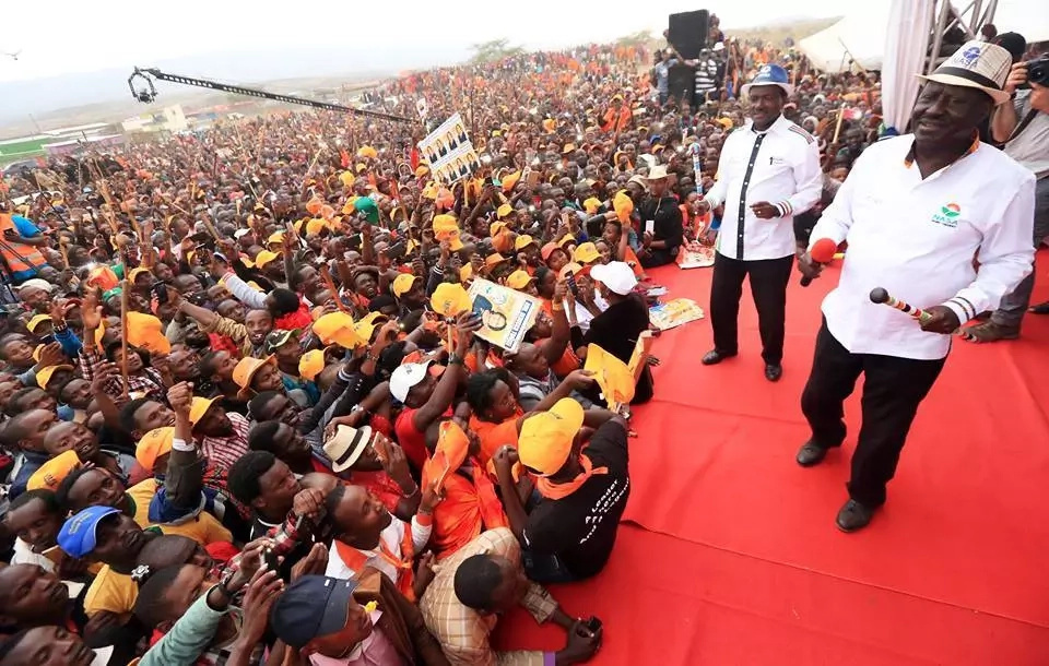 Uhuru to beat Raila convincingly in round one - new opinion poll