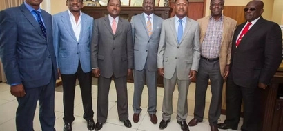 Raila holds court with CORD officials to discuss how Kenya is doing