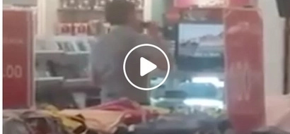 Outrageously amazing Pinoy singer caught on video