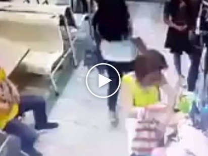 Huli ang magnanakaw! Dangerous Pinay thief caught on CCTV stealing items from shop in Alabang