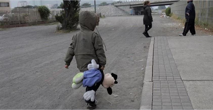 A esta niña la condenó una terrible decisión de su madre