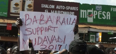 Here is what happened to Mudavadi supporters who disrupted Raila's rally (video)
