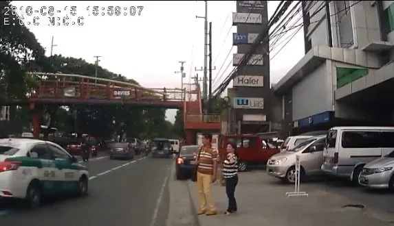 Traffic enforcer in freak accident along E. Rodriguez Ave.