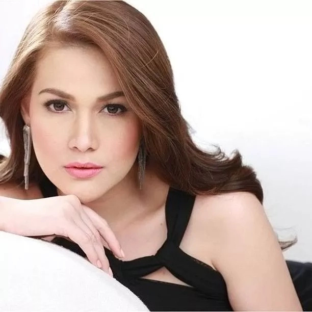 Angel Locsin, Bea Alonzo, & Toni Gonzaga lead the best actress online poll. Find out the top 20 here!