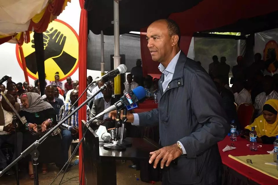 Uhuru makes it clear whom he prefer between Sonko and Peter Kenneth