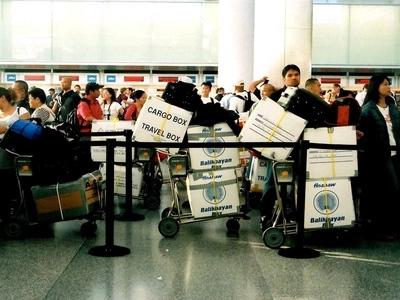 Napaka-gandang regalo! 400 abandoned balikbayan boxes to be delivered before Christmas